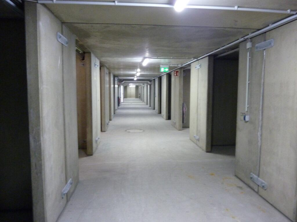 Verhoogd bordes ruimte onder milieustraat Dubbelgrondgebruik Modulo Milieustraten Care4Circulair