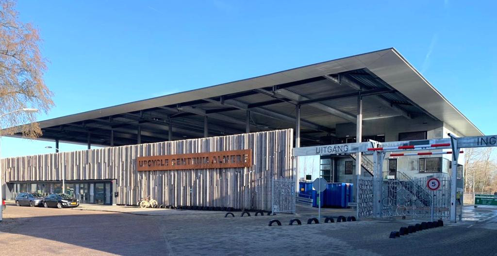 Upcyclecentrum Almere circulair ambachtscentrum circulair centrum milieustraat verhoogd bordes Modulo Milieustraten Care4Circulair